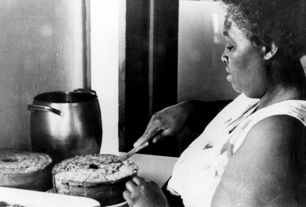 Georgia Gilmore in the kitchen. Image via S.S. Seay Sr. Educational Foundation and Timeline.com